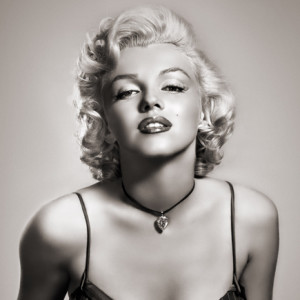Marilyn Monroe, Efemérides, Deus Me Livro