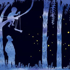 """Resultado de uma parceria entre o espírito poético de Ondjaki e a inventividade de traços, linhas e cores de António Jorge Gonçalves, """"O Convidador de Pirilampos"""" (Caminho, 2017) foi um dos mais bonitos álbuns ilustrados a chegar às livrarias no primeiro trimestre de 2017. Perto da Floresta Grande, lugar dos pirilampos """"apagados"""" - também conhecidos por pirivelhos - e dos outros, vivia um menino curioso e o seu avô. Em noites de lua nova, ambos partiam floresta dentro, com o menino a trazer dentro da sua mochila alguns dos seus estranhos e complexos inventos, tais como um aumentador de caminhos ou o unócolo, que servia para ler o brilho dos pirilampos e comunicar com eles. Ele que, diz orgulhosamente ao avô, já cientistou os pirilampos muitas vezes. No dia seguinte, quando regressam à floresta para recolher as invenções deixadas para trás, o avô percebe que o aumentador de caminhos é um outro nome para armadilha, e que a casa que o menino construiu para eles no quintal é uma designação mais simpática para gaiola. Com a ajuda do código morse e as palavras sábias do avô, irá compreender que a luz dos pirilampos não vem da força dos corpos mas de um outro alimento, e que estes também poderão brilhar de tristeza. António Jorge Gonçalves recorre ao seu triângulo mágico de cores - preto, azul e amarelo - para ilustrar esta bonita história, sobre liberdade, confiança e, também, o medo do escuro."""