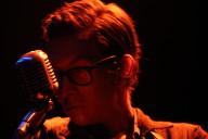 Micah P. Hinso, Musicbox, Deus Me Livro, Deus Me Livro