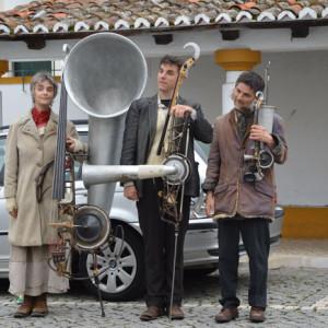 por-caminhos-do-ferro_featured