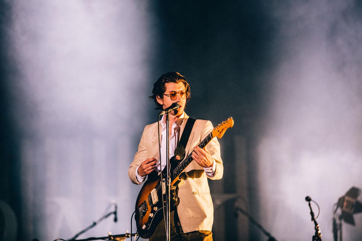Arctic Monkeys, NOS Alive, Deus Me Livro