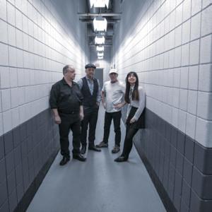 Pixies, Concerto, Campo Pequeno, Deus Me Livro